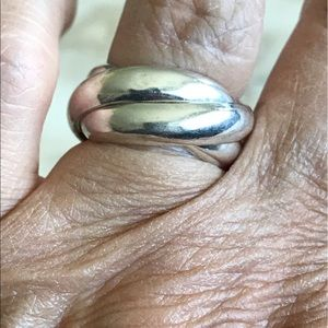 Jewelry - 925 Sterling Silver Rolling Trinity Ring